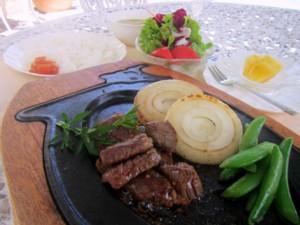 伊豆牛 サイコロステーキ(2)A